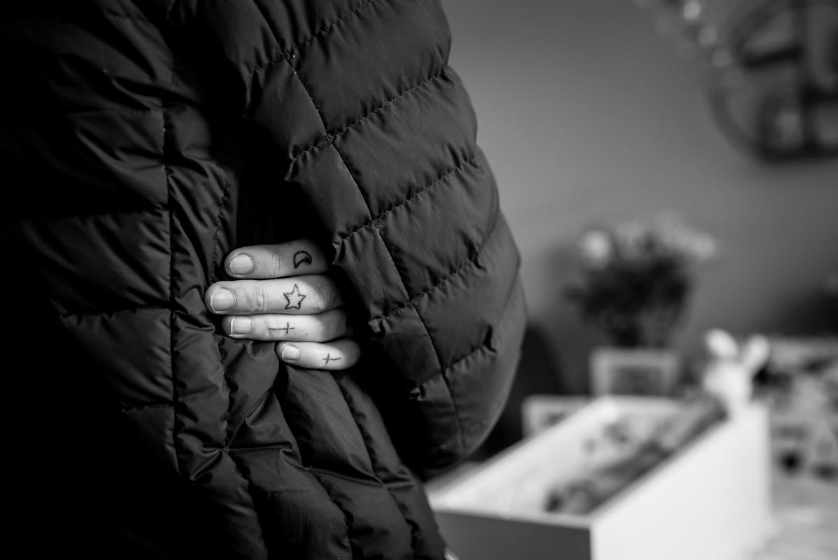 de-laatste-herinnering-afscheidsfotografie-uitvaart-kind-volwassenen-troost-gemaakt-door-ellen-langius-armee-33